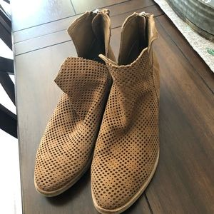 Dolce Vita Tommi Leather booties size 9